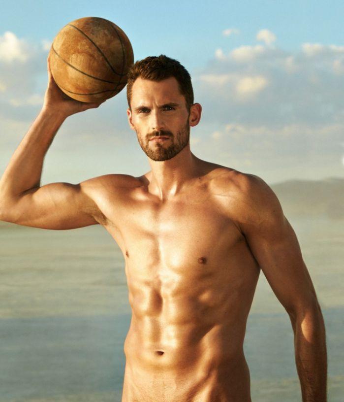 ¿Cómo se ven los deportistas sin ropa?